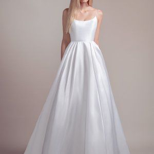 Vanna Wedding Dress by Hayley Paige  STYLE 1903